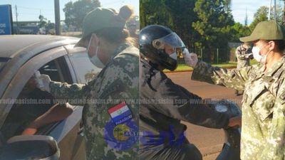 Militares y Policías realizan controles en la línea fronteriza en Pedro Juan