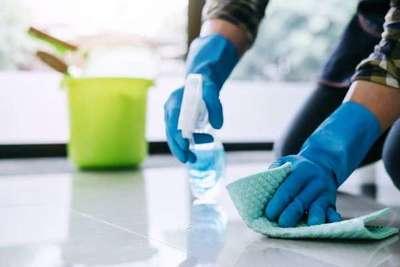 La importancia de desinfectar las superficies ante la persistencia del coronavirus en ellas