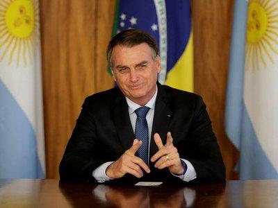 Bolsonaro insiste con histeria por Covid-19 y lo compara con un embarazo