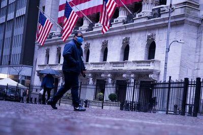 Wall Street cae en torno al 7% y paraliza operaciones a media sesión