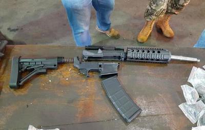 Una tonelada de armas fue decomisada en el Aeropuerto Guaraní