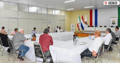 Reunión interinstitucional en la Gobernación de Itapúa sobre ayuda a afectados por #QuedateEnCasa