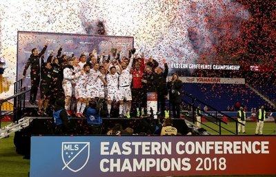 MLS prolonga dos meses la suspensión