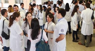Médicos tendrán descuentos por traslados en MUV y UBER