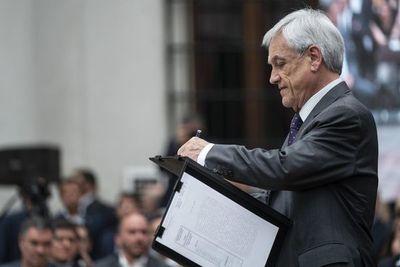 Congreso de Chile acuerda postergar al 25 de octubre el referéndum constitucional