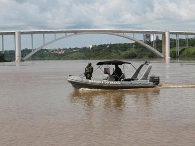 MARINA del Brasil hace bloqueo en el río Paraná y en el Lago de Itaipú