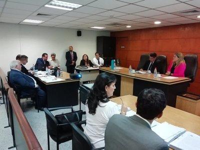 Rechazan recusación de Camilo Soares y ordenan que siga juicio