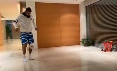 VIDEO: Vidal aceptó el desafío de Messi y lo volvió más complicado