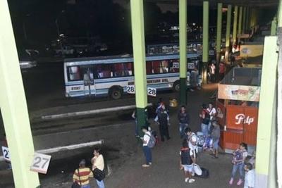 HOY / Cierran la Terminal de Ómnibus de Asunción para evitar éxodo masivo al interior