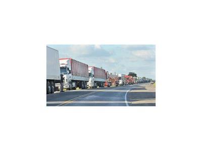 Movimiento  de transporte de carga cayó  en un 50%