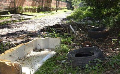 San Antonio, infestado por minivertederos
