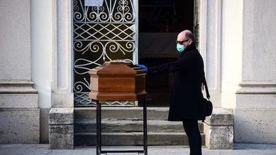 Más de 11.000 muertos es el saldo y se ensaña con Italia