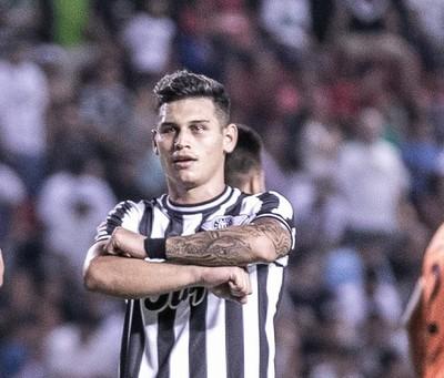 Mathías Espinoza quiere seguir creciendo en Libertad