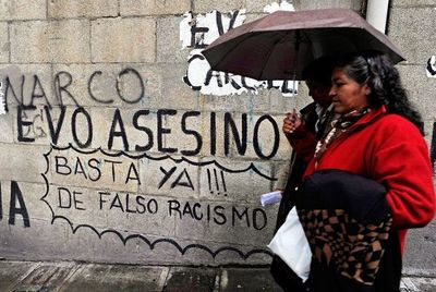 Bolivia ordena cuarentena total y aplaza elección presidencial por coronavirus
