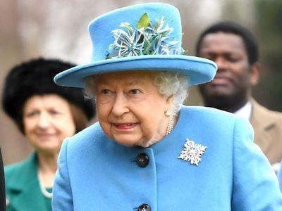 La cuarentena de la reina y el príncipe, sin baile en el MET y un romance…