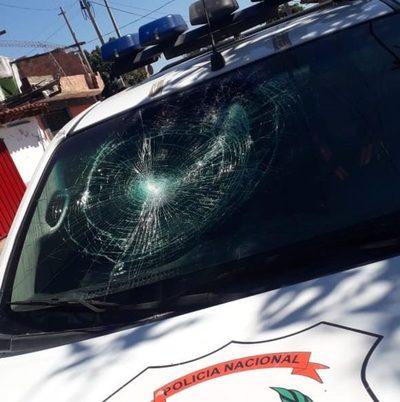 Coronavirus: Imputan a cuatro personas que atacaron a policías durante intervención por aglomeración en Asunción
