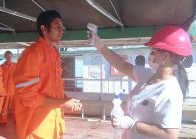 Realizan controles a tripulantes de embarcaciones en Vallemí