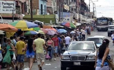 HOY / Para evitar aglomeración de personas, ordenan cierre de calles aledañas al Mercado 4