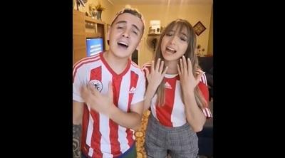 Will Fretes y Marilina Bogado cantaron'Color Esperanza'