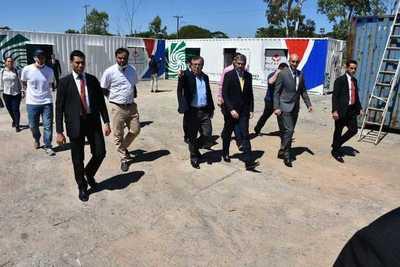 Yacyretá entrega tres consultorios móviles para Limpio, San Lorenzo y Lambaré