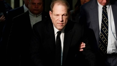 HOY / Harvey Weinstein arrojó positivo al coronavirus, según medios