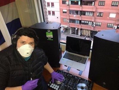 UN HIMNO A LA FE Pone música patria antivirus en Madrid