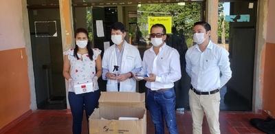Paraguayos residentes en España envían insumos al Hospital Regional