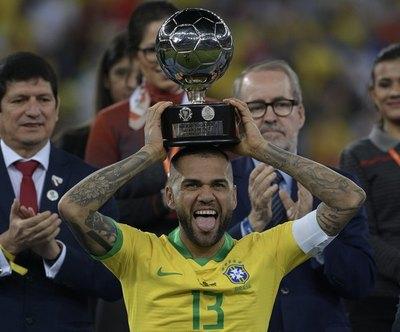 ¿Dani Alves, al fútbol argentino?
