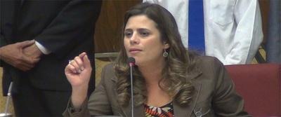 Kattya González pide apoyar al Ejecutivo aprobando la ley de emergencia económica