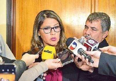 Ministra pide que los que no respetan la cuarentena ayuden en hospitales