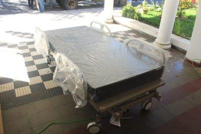 Gobernación de Ñeembucú adquirió cinco camas articuladas y elementos médicos