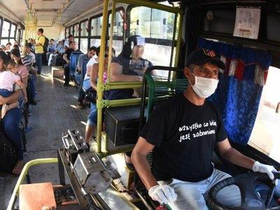 Piden suspender transporte público por temor a contagios