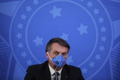 Bolsonaro menosprecia avance del covid-19 y exige fin del aislamiento