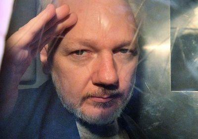 Justicia británica rechaza liberar a Assange por coronavirus