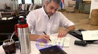 Abdo promulga ley de emergencia que autoriza créditos de hasta US$ 1.600 millones