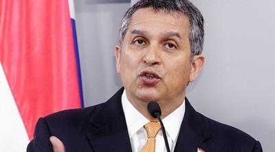 Ministro aclara sistema de ayuda a personas en extrema pobreza