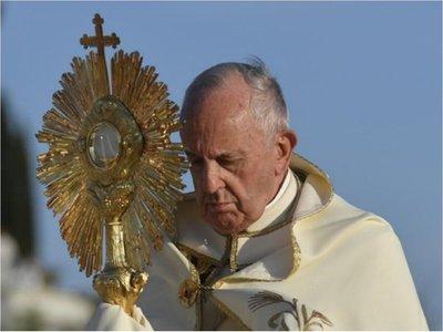 Bendición especial del papa Francisco se verá a las 13.00 en Paraguay