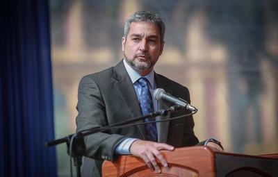 Mario Abdo anuncia el aumento del subsidio a sectores afectados por Covid-19