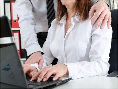 Escándalo por acoso salpica a un empresario
