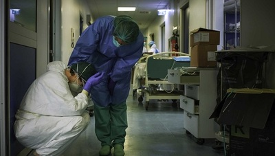 Italia cierra nuevo récord con 969 muertos en las últimas 24 horas
