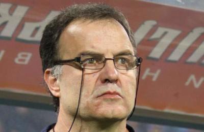 Marcelo Bielsa y sus jugadores no cobran sus sueldos para que el Leeds le pague al resto de los trabajadores