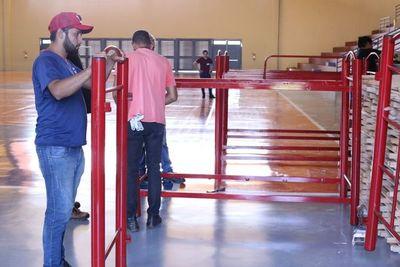 Covid-19: Instalan 60 camas en polideportivo de Hernandarias