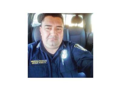 Ordenan detención de un jefe policial por abuso de menor