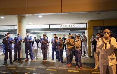 España reporta 832 muertos por coronavirus en 24 horas, nuevo récord diario