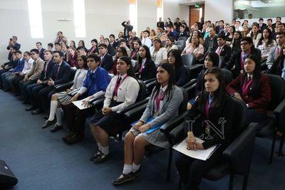 MEC pide a colegios privados reducir cuotas por tiempo de cuarentena