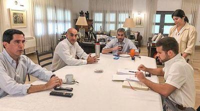 Continua aislamiento total hasta el 12 de abril, anunció Mario Abdo