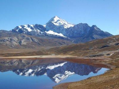 Bolivia: Rescatan a montañistas que no sabían situación del Covid-19
