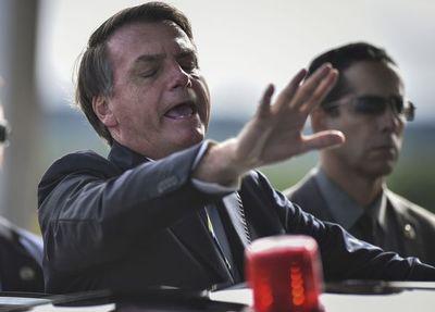 Los militares brasileños se acercan al vicepresidente de Bolsonaro ante el agravamiento de la pandemia