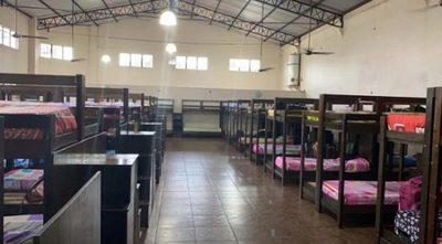 Paraguayos en cuarentena denuncian hacinamiento en predio militar