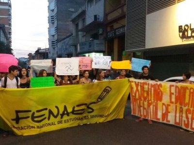 Estudiantes lanzan campaña cuarentena sin hambre